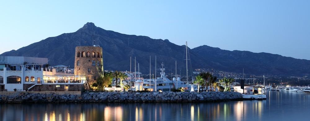 Puerto Banus-Espagne-Marbella-bord de mer-plus-value-luxe-immobilier-à vendre