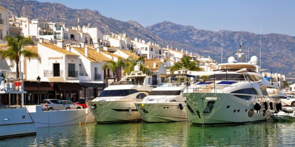 Espagne-Marbella-bateaux-à vendre-bord de mer